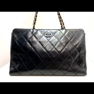 Auth Chanel Vintage Lambskin Shopper Tote Black